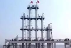 精馏操作中怎样调节塔的压力?影响塔压变化的因素是什么?